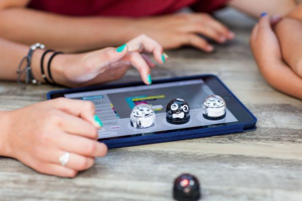 Start Learning And Loving Robots With Ozobot